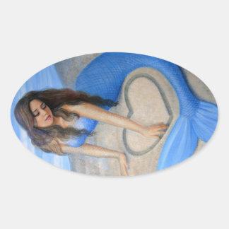 O coração da sereia azul adesivo oval