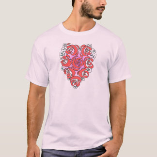 O coração dado forma floresce o t-shirt camiseta