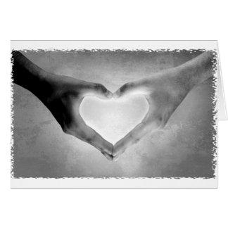 O coração entrega a foto de B&W Cartões