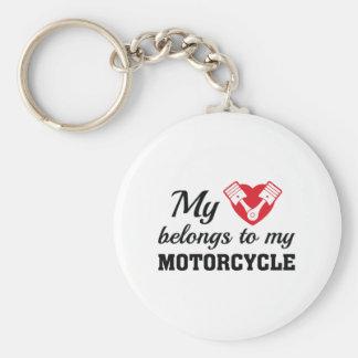 O coração pertence motocicleta chaveiro