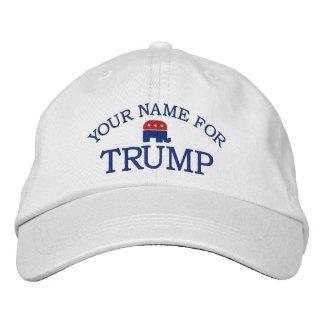 O costume adiciona o nome ou indica-o para apoiar boné