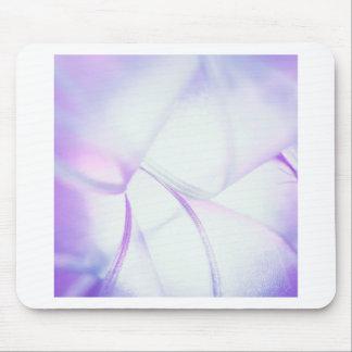 O cristal abstrato reflete a quebra do roxo mouse pad