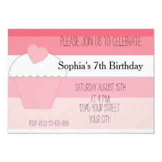 O cupcake cor-de-rosa Ombre listra o aniversário Convite Personalizados