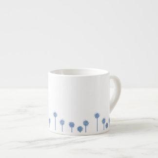O dente-de-leão cronometra a caneca do café