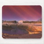 O deserto do ode com raios de luz solar mousepad