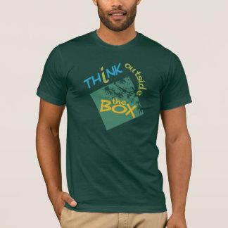O design de Riia/pensa fora da camisa da caixa