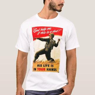 O deus ajuda-me a propaganda WW1 Camiseta