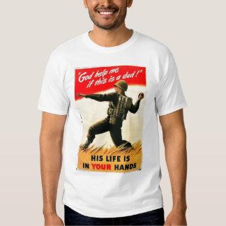 O deus ajuda-me a propaganda WW1 T-shirts