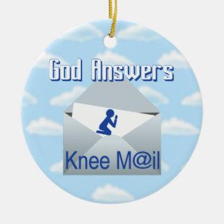 O deus responde ao ornamento do presente do