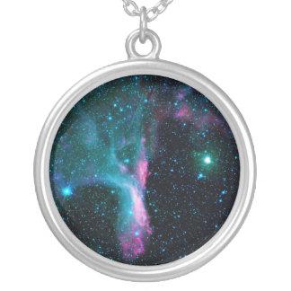 O DG refletindo 129 da nebulosa da garra do Colar Com Pendente Redondo