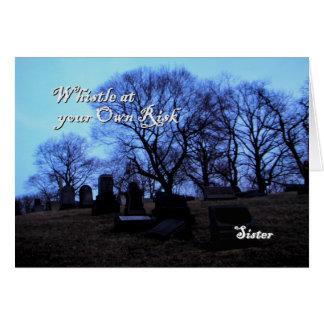 O Dia das Bruxas - cemitério assustador, para a Cartão Comemorativo