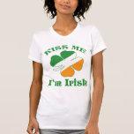O dia de Patricks do santo beija-me camisa T-shirts