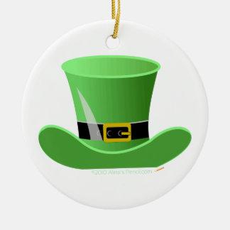O dia de St Patrick afortunado do chapéu irlandês Ornamento De Cerâmica Redondo