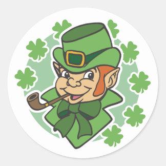 O dia de St Patrick dos desenhos animados do Adesivos Em Formato Redondos