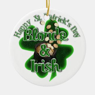 O dia de St Patrick - louro e irlandês Ornamento De Cerâmica Redondo