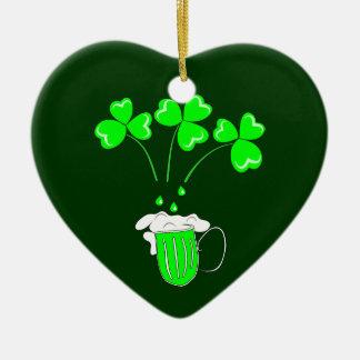 O dia de St Patrick o segredo do ornamento da