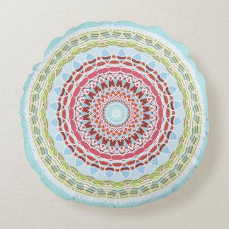 O dobro colorido vibrante bonito da mandala tomou almofada redonda