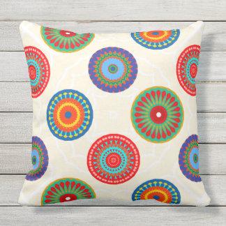O dobro colorido vibrante da mandala do verão travesseiros de decoração