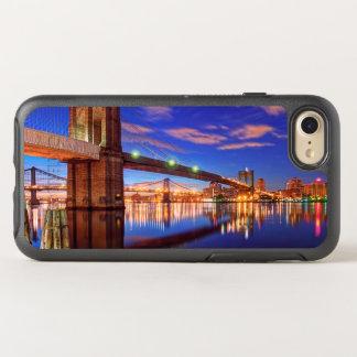 O East River, ponte de Brooklyn, Manhattan Capa Para iPhone 7 OtterBox Symmetry
