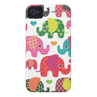O elefante colorido caçoa a caixa da amora-preta