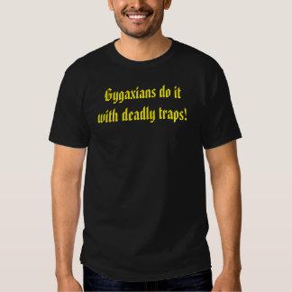 O escolar idoso fá-lo com armadilhas mortais camiseta