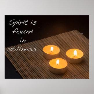 O espírito é encontrado na calma poster