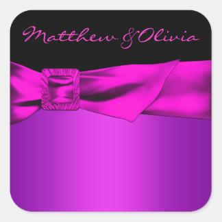 O favor do casamento do preto do rosa quente adesivo quadrado