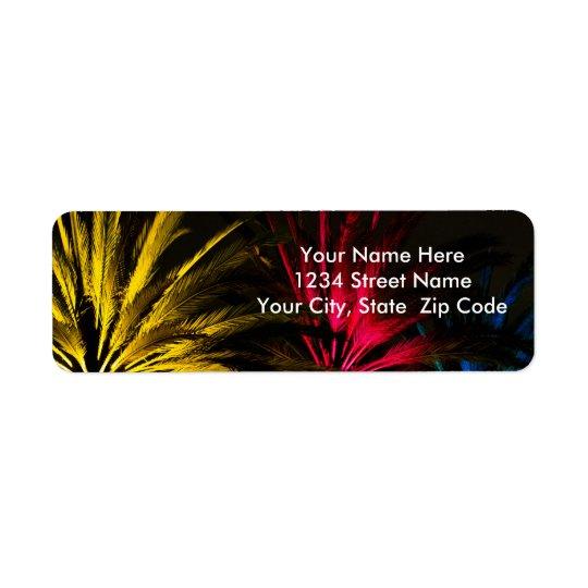 O feriado ilumina palmeiras etiqueta endereço de retorno