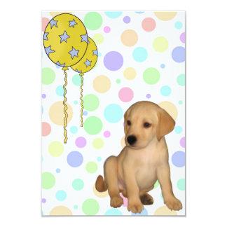 O filhote de cachorro de Labrador da festa de Convites Personalizados