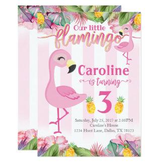 O flamingo do convite de aniversário do flamingo