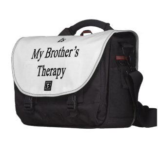 O futebol é a terapia do meu irmão mala para laptop