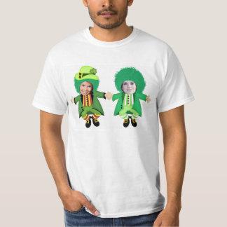 O gabarito irlandês do Dia de São Patrício, foto Tshirts