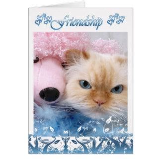 O gato bonito do cartão de aniversário da amizade