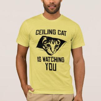 O gato do teto está olhando-o! camiseta