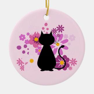 O gato no ornamento cor-de-rosa do círculo das