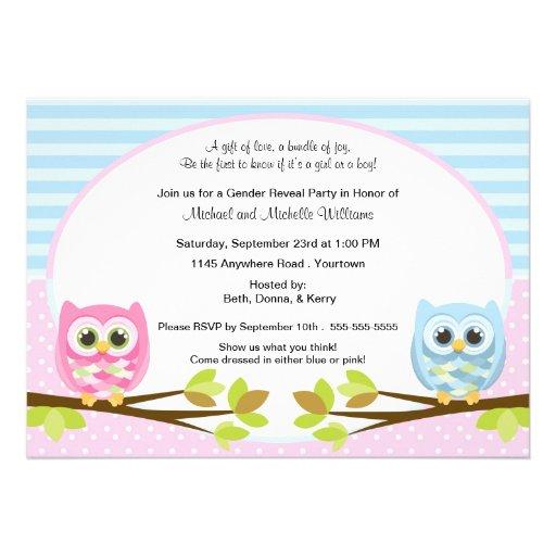 O género cor-de-rosa e azul bonito da coruja revel convite personalizado