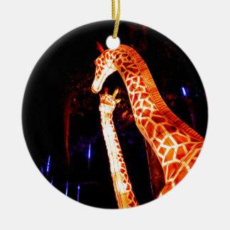 O girafa ilumina acima a arte do festival da ornamento de cerâmica
