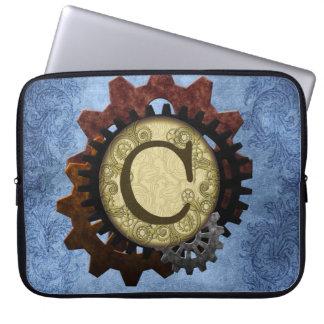O Grunge Steampunk alinha a letra C do monograma Capas Para Notebook