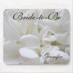 """O Hydrangea branco """"Noiva-à-Está"""" mousepad"""