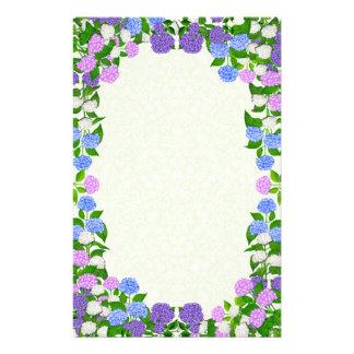 O Hydrangea roxo azul floresce artigos de papelari