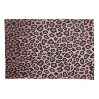 O impressão animal do leopardo em empoeirado