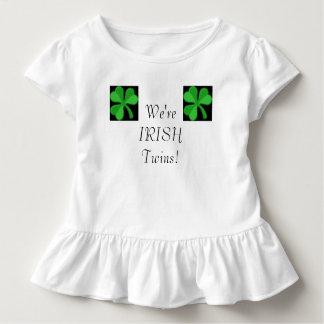 O irlandês junta a camisa