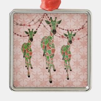 O jade do vintage cora ornamento dos girafas