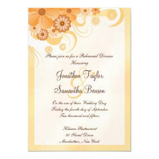 O jantar de ensaio do casamento do hibiscus do convite 12.7 x 17.78cm