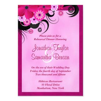 O jantar de ensaio fúcsia do casamento do hibiscus convite 12.7 x 17.78cm