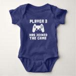 O jogador 3 juntou-se ao bebê engraçado do jogo t-shirts