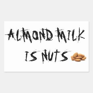 O leite da amêndoa é etiqueta dos loucos