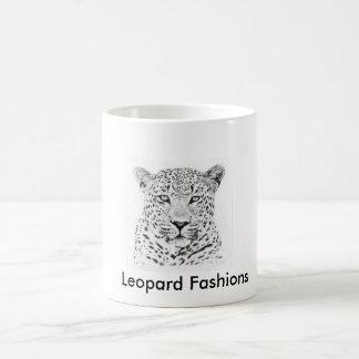 O leopardo oficial forma a caneca