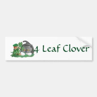 O Leprechaun escolhe um trevo de quatro folhas Adesivo Para Carro