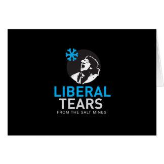 O liberal rasga o cartão engraçado de MAGA